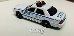 Greenlight 164 Custom NYPD 2008 Ford Crown Victoria Police With LED Lights